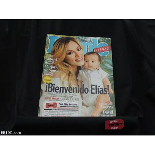 People En Espanol Magazine - February 2017