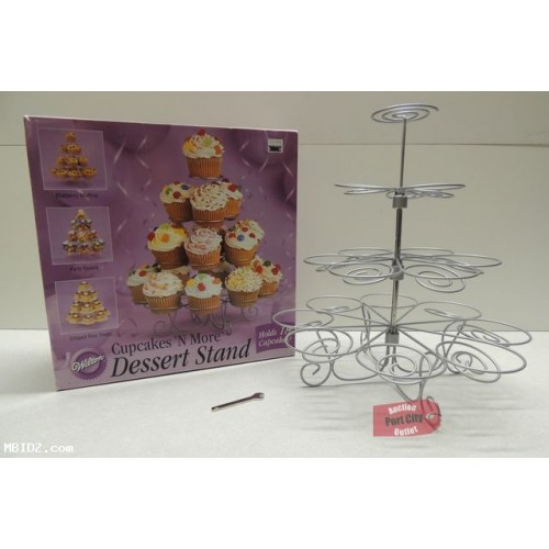 Cupcakes 'N More 18 Count Small Dessert Stand 307-833