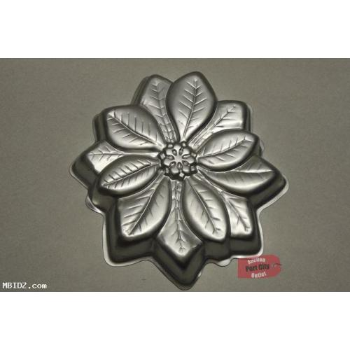 Wilton 1997 Poinsettia Cake Pan 2105-3312 (Retired)