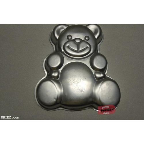 Wilton 1982 Huggable Teddy Bear Cake Pan 502-3754 (Retired)